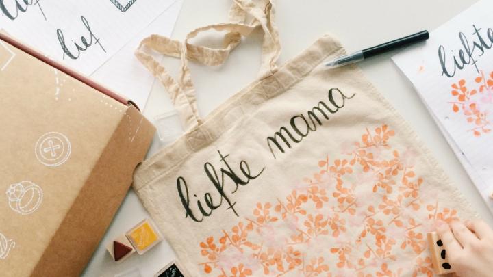 DIY: Moederdag Cadeau idee: Personalized Tote bag +WINACTIE!